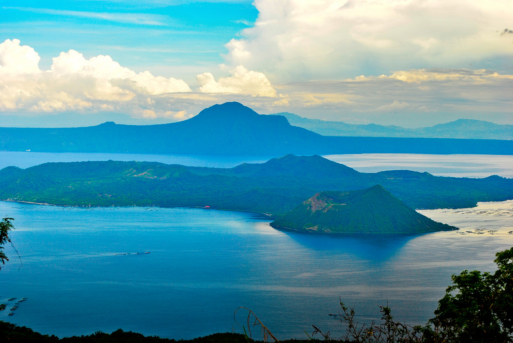 Taal Volcano by Alex Rebosa