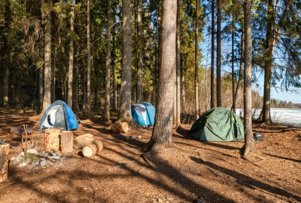 tourist-camp-with-tents stag do